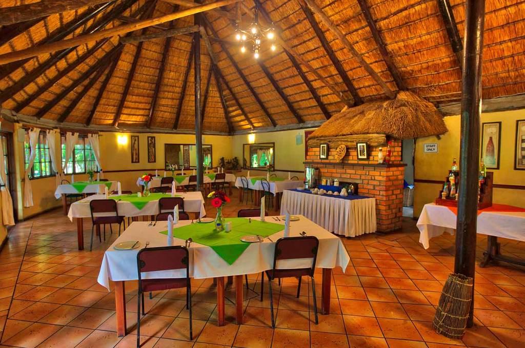Restaurant, Island Safari Lodge