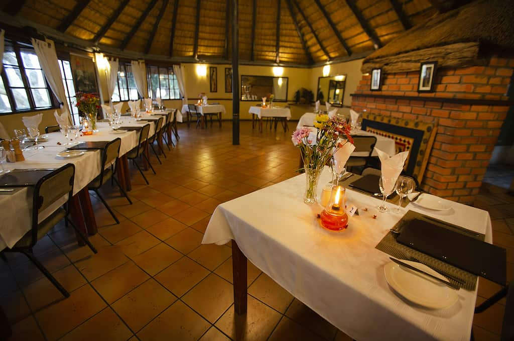 Restaurant, Island Safari Lodge